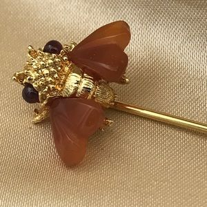 Bee Stickpin Amber Wings and Eyes